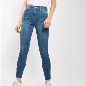 Pin Striped High-Rise Moro Jamie Jeans by Topshop